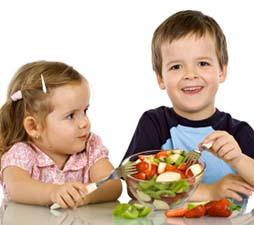 girl-and-boy-making-healthy-food